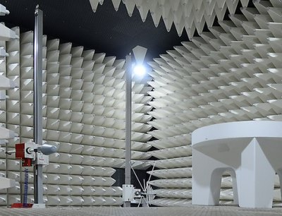 Neue EMV-Vollabsorber-Halle des VDE-Instituts in Offenbach