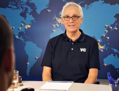 Vision Components fertigt seit 25 Jahren Embedded-Vision-Technologie und war damit dem Trend weit voraus; im Bild: Gründer und Geschäftsführer Michael Engel
