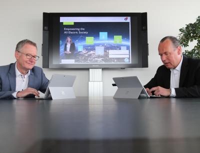 Auch CTO Roland Bent und CEO Frank Stührenberg beantworteten Kundenfragen im Live-Chat