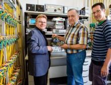 Prof. Tilo Heimbold mit seinen Forscherkollegen Dietmar Telschow und Tobias Rudloff