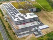 Im Zuge der Erweiterung des Gebäudes von RS Components installiert Dematic ein zehn-gassiges Dematic Multishuttle-System mit 300.000 Behälterstellplätzen