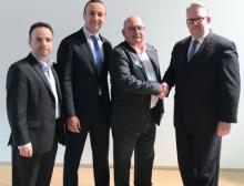 Die Vereinbarung zwischen Harting und Heilind Electronics wurde auf der Messe Electronica in München unterzeichnet