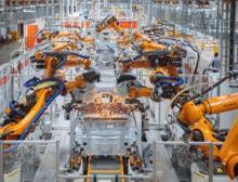 Unterboden des Volkswagen ID.3: Rund 1.600 Kuka-Roboter arbeiten allein im Karosseriebau im Werk Zwickau
