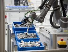 Flexible Hochgeschwindigkeits-3D-Kommissionierung zeigt, wie Unternehmen anstrengende Beladungsaufgaben bei bereits vorhandenen Linien automatisieren können