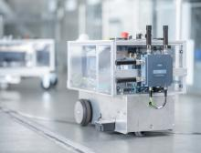 Mit dem Scalance MUM 856-1 ist ab sofort der erste industrielle 5G-Router von Siemens verfügbar
