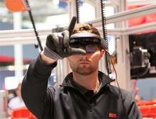 Teamwork von Mensch und Roboter über Datenbrille